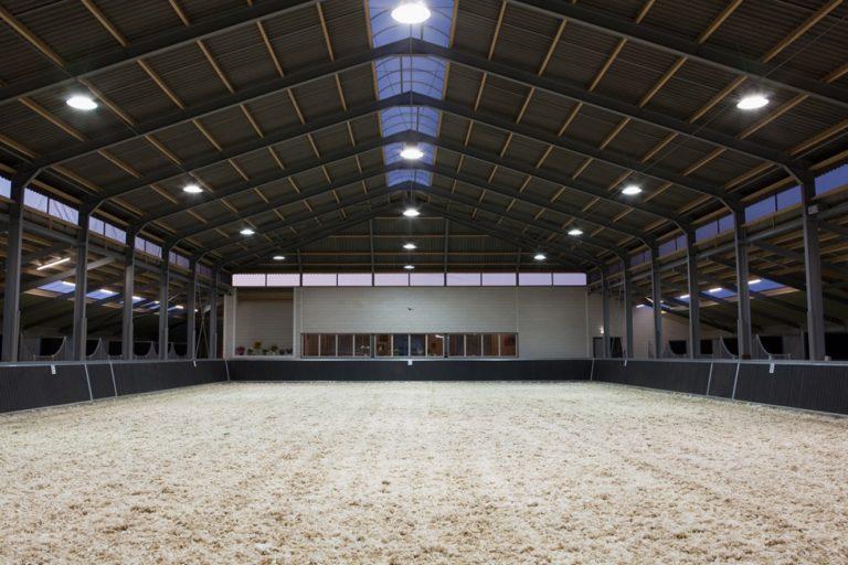 Få en lysere fremtid i stalden – skift til LED