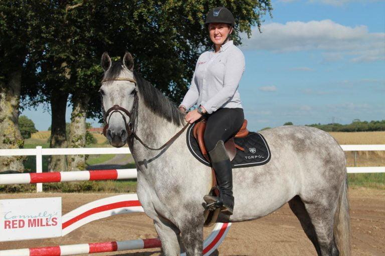 Selvstændig i hestebranchen? – Mød foderkonsulent Karina Vinther