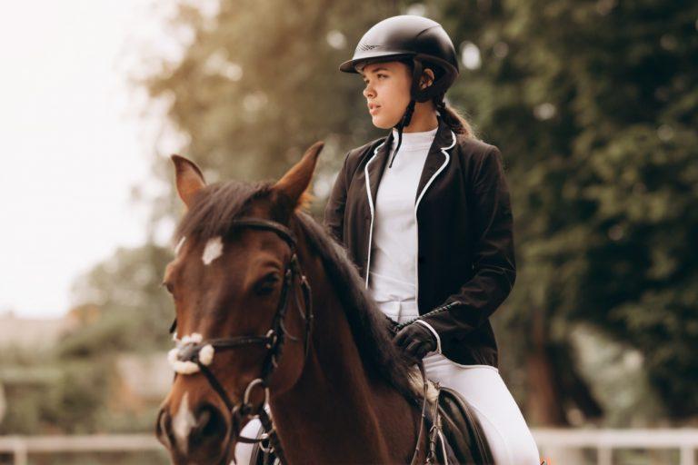 Jalousi i ridesporten er et tegn på 3 ting – og det kan vi lære af følelsen