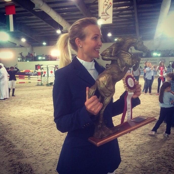 Tina Lund vinder prisen som årets rytter i de Forenede Arabiske Emirater