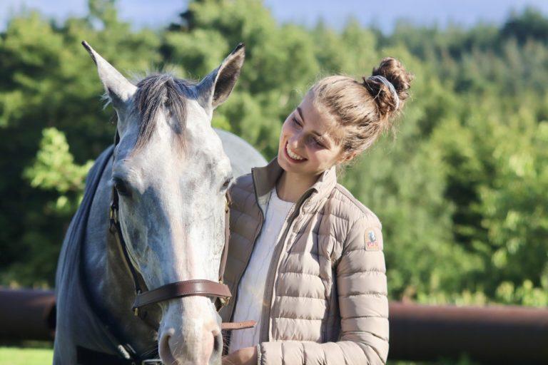 """Caroline Amalie Kristensen: """"Jeg har redet på over 200 heste og ponyer"""""""