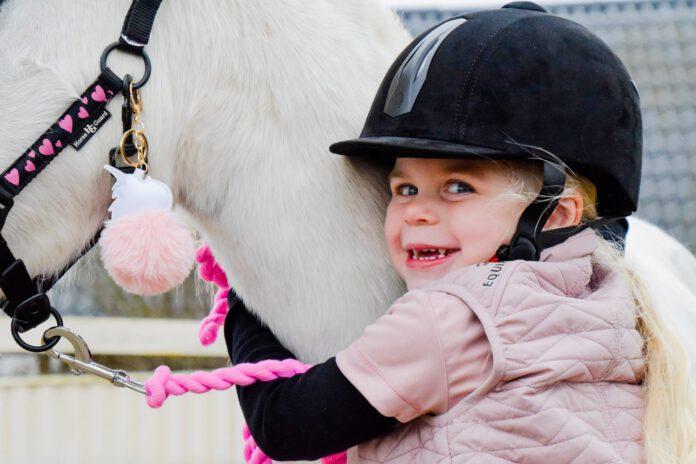 børn og heste elsker ofte hinanden